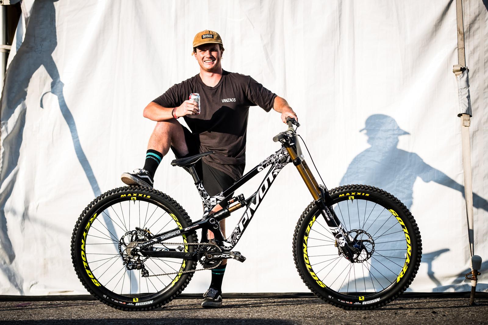 Eddie Masters' 2019 World Championships Pivot Phoenix - Pivot World Championships Downhill Bikes - Mountain Biking Pictures - Vital MTB