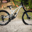 WINNING BIKE - Myriam Nicole's Commencal Supreme DH