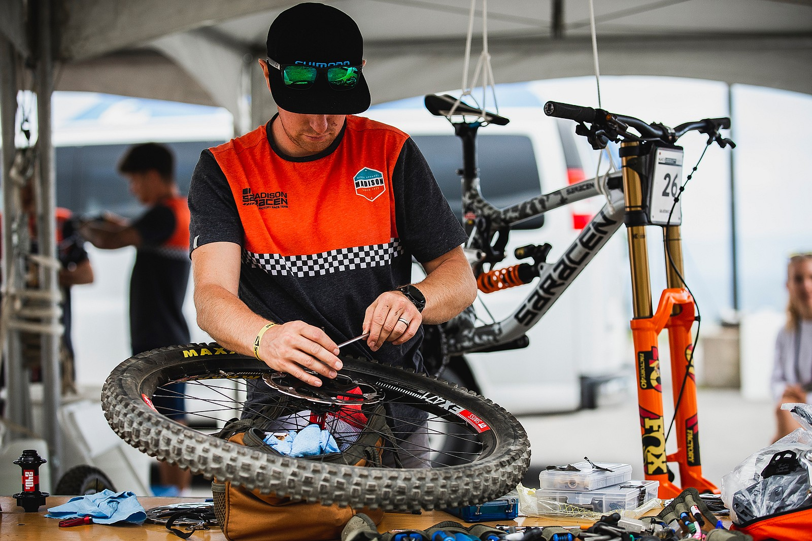 Gettin' Prepped at Saracen - PIT BITS - 2019 World Cup Downhill, Snowshoe, West Virginia - Mountain Biking Pictures - Vital MTB