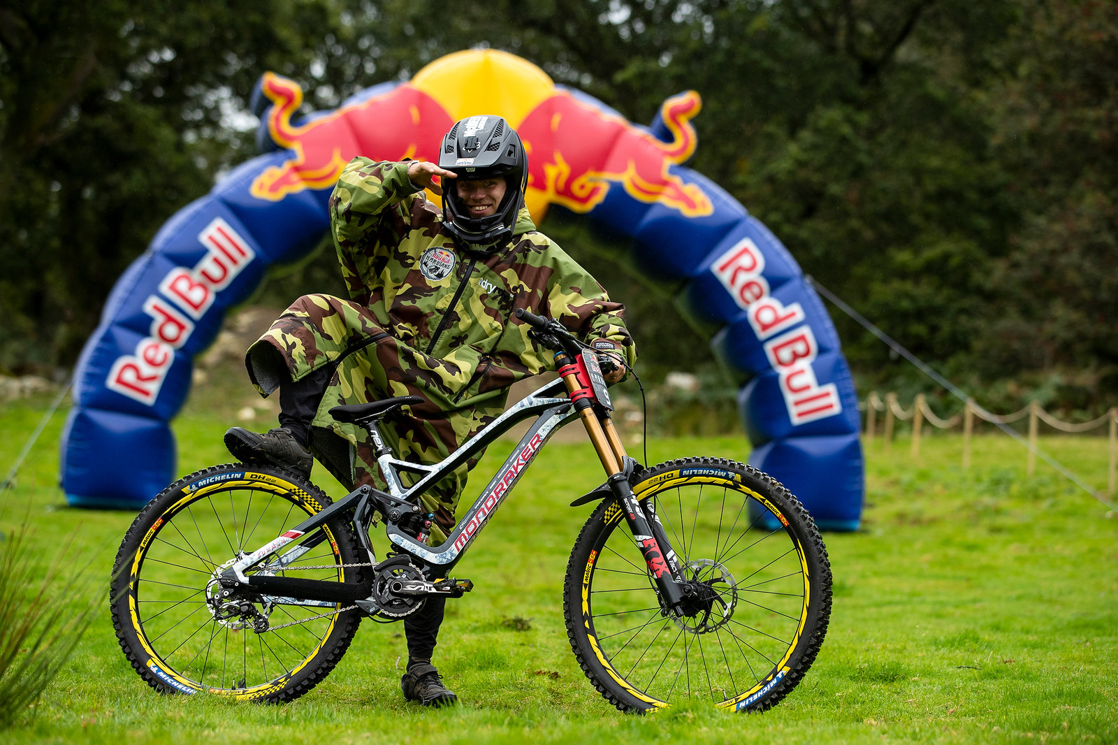 Laurie Greenland with his Mondraker Summum - The Bikes of Red Bull Hardline - The Bikes of Red Bull Hardline - Mountain Biking Pictures - Vital MTB
