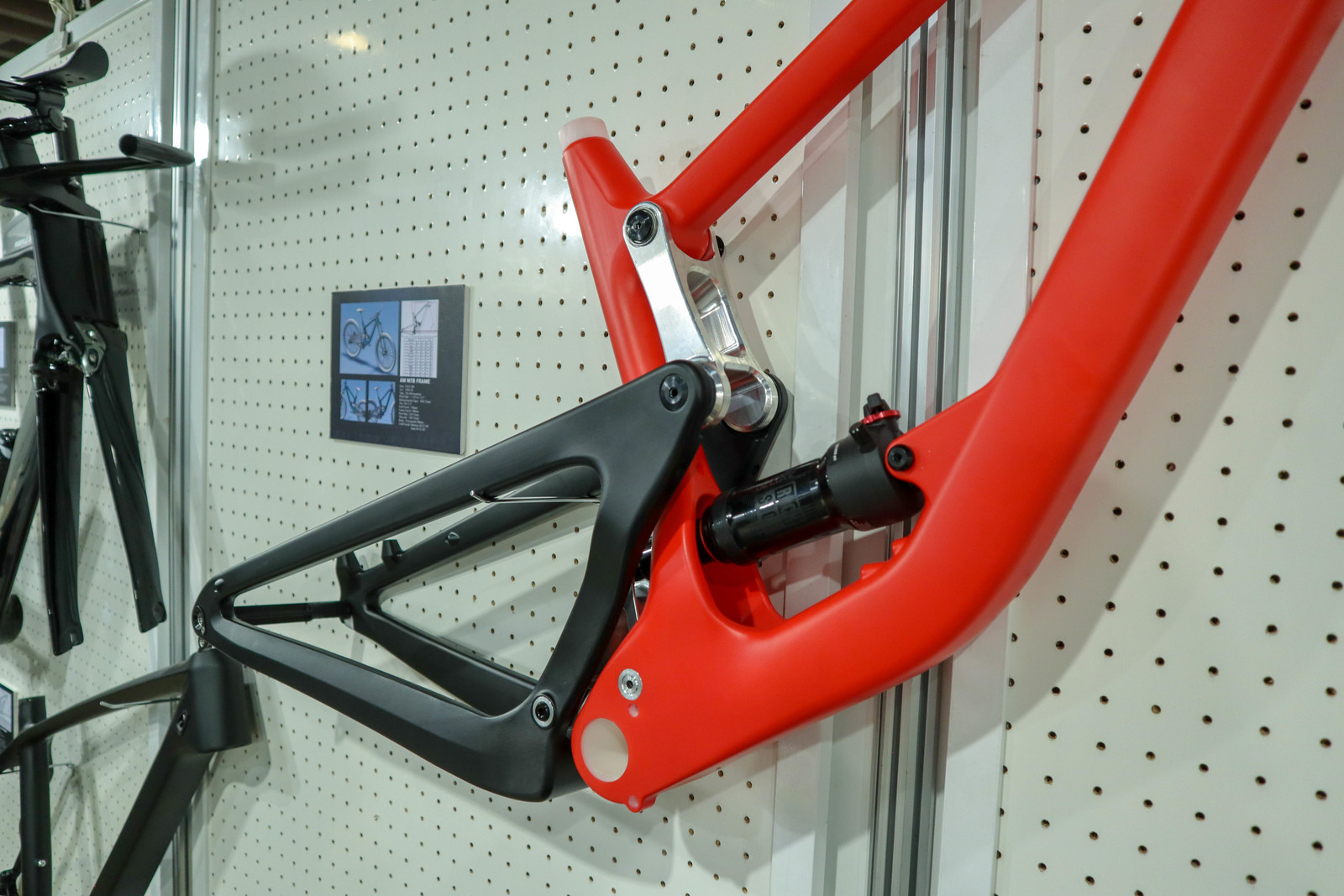 $600 Open-Mold Trail Bike Frame  - Crazy Bike Tech from Taichung Bike Week - Mountain Biking Pictures - Vital MTB