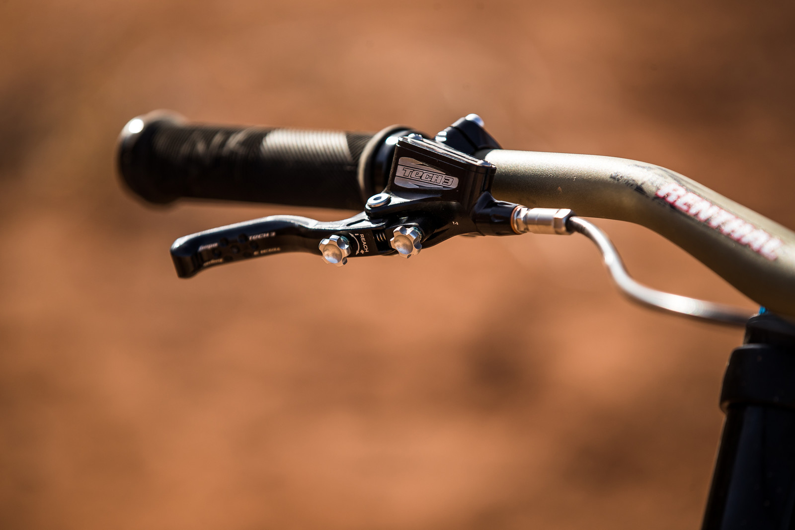 Handlebar and Brake Lever on Andreu Lacondeguy's YT TUES at Rampage 2019 - RAMPAGE BIKE - Andreu Lacondeguy's YT TUES - Mountain Biking Pictures - Vital MTB