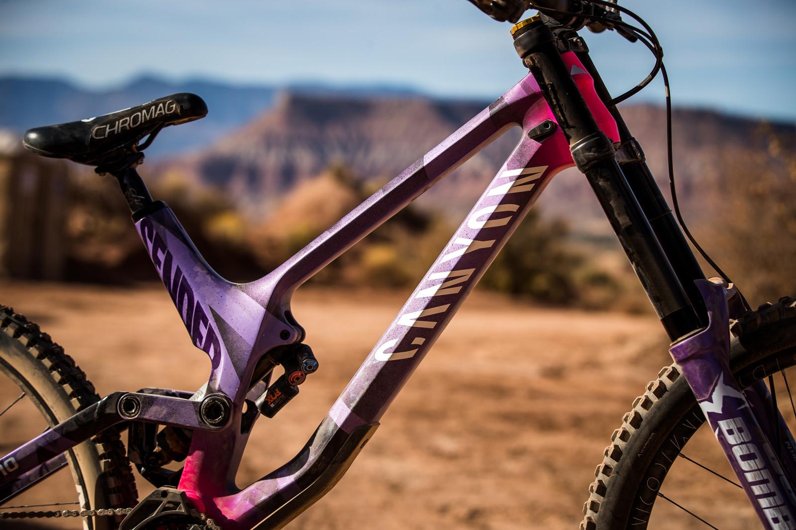 Color Crush - Thomas Genon's Canyon Sender at Rampage 2019 - RAMPAGE BIKE - Thomas Genon's Canyon Sender - Mountain Biking Pictures - Vital MTB