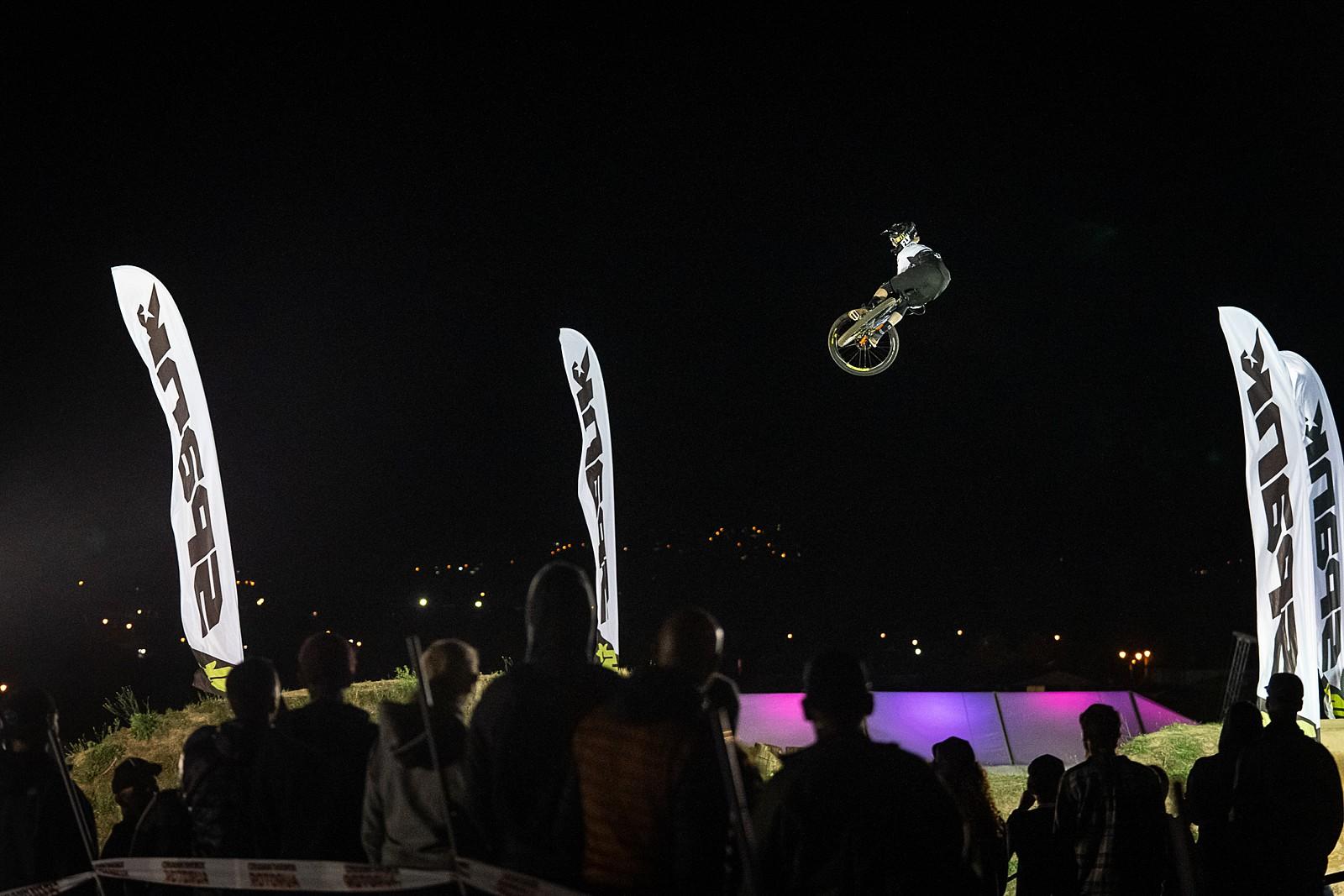 Crankworx NZ Whipoff 2020 - Crankworx New Zealand Whip-Off Photo Gallery - Mountain Biking Pictures - Vital MTB