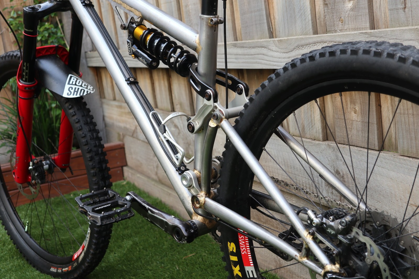 Homemade High-Pivot Enduro Bike by Ctuck - Incredible DIY Mountain Bikes - Mountain Biking Pictures - Vital MTB