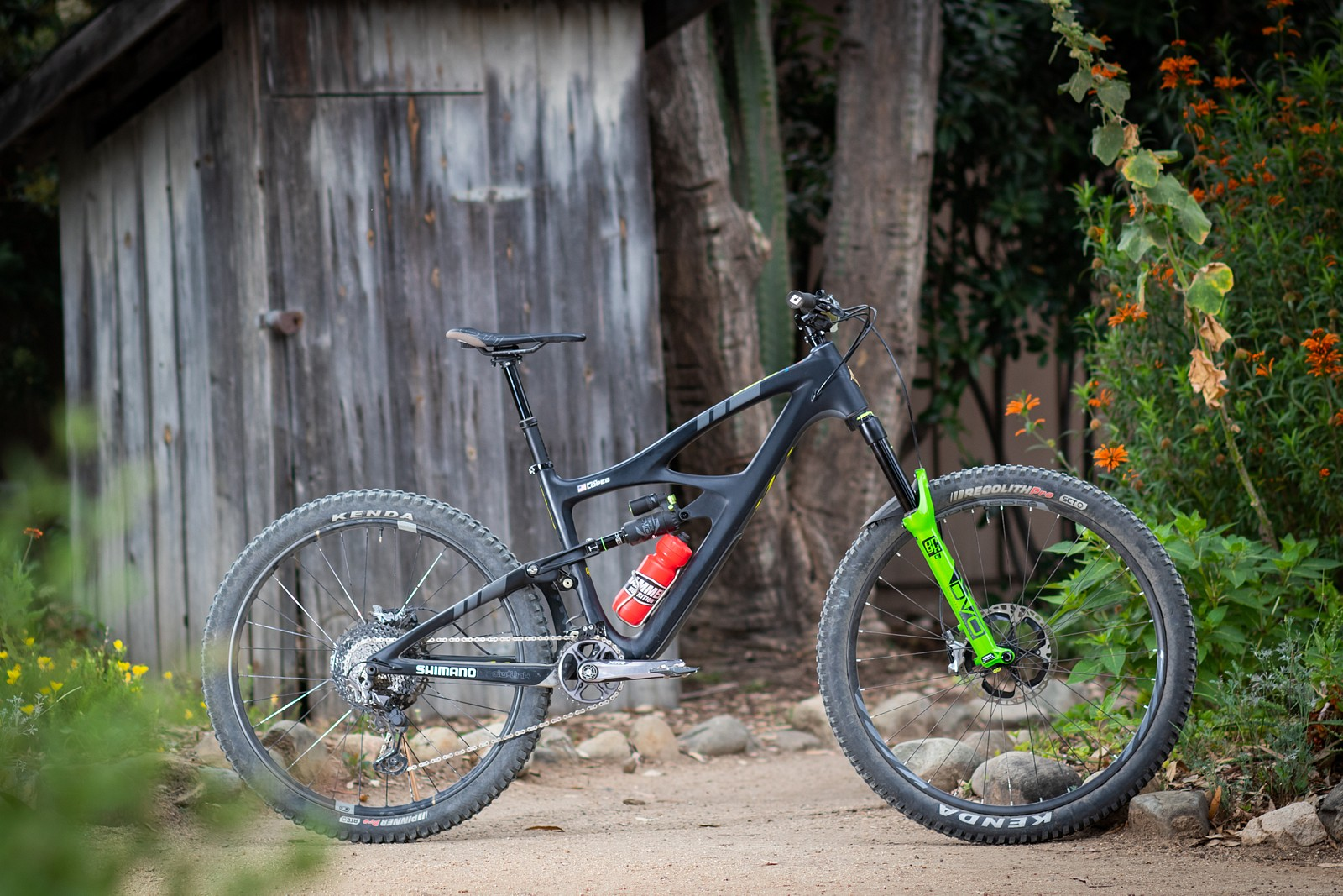 Brian Lopes' Ibis Mojo HD in Mullet Mode - PRO BIKE CHECK: Brian Lopes' Ibis Mojo HD - Mountain Biking Pictures - Vital MTB