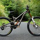 WORLD CHAMPS BIKE - Commencal / 100%