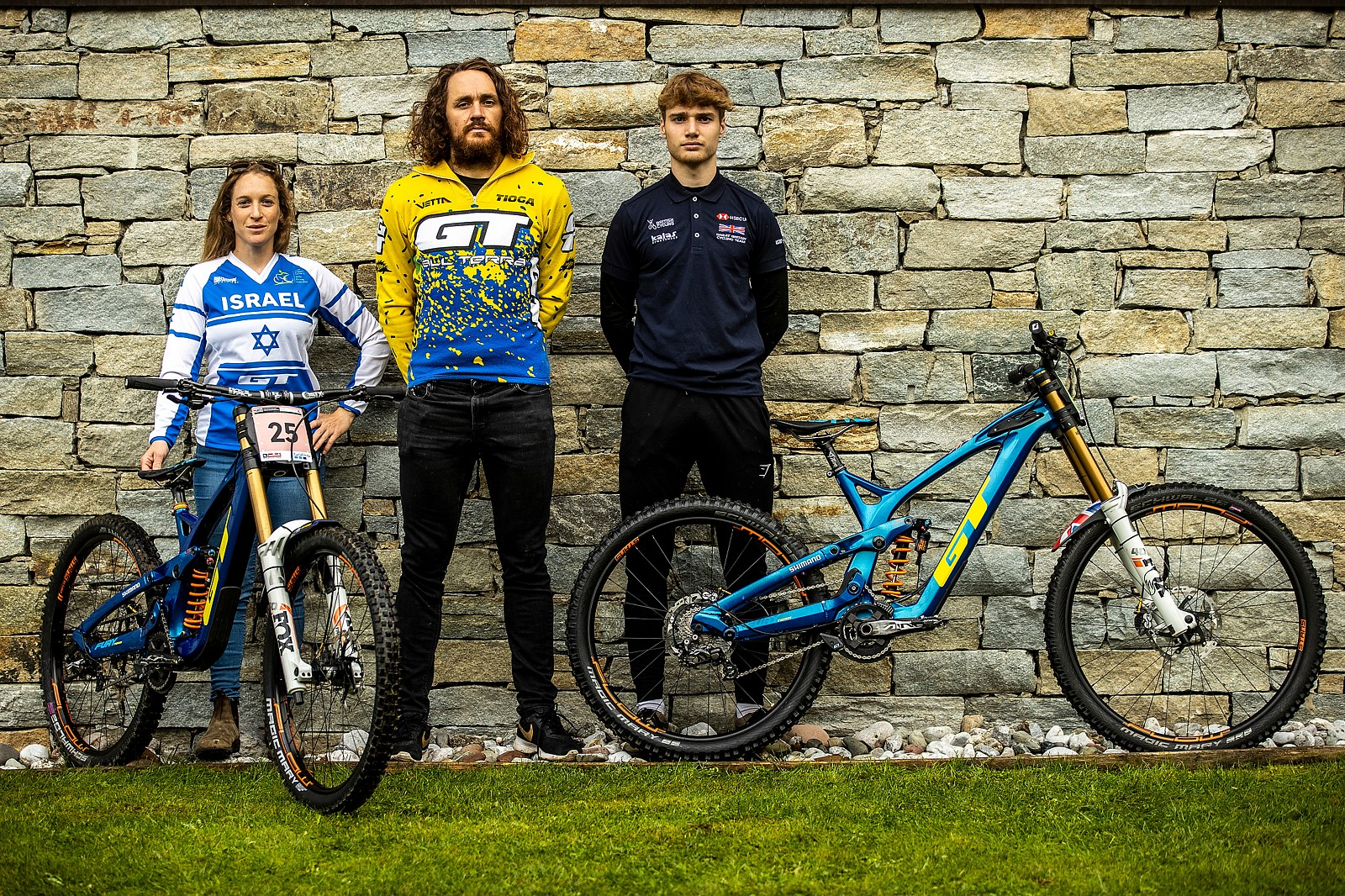 Noga Korem, Wyn Masters and Ethan Craik with their GT Furies for World Champs - WORLD CHAMPS BIKES - GT Factory Racing - Mountain Biking Pictures - Vital MTB