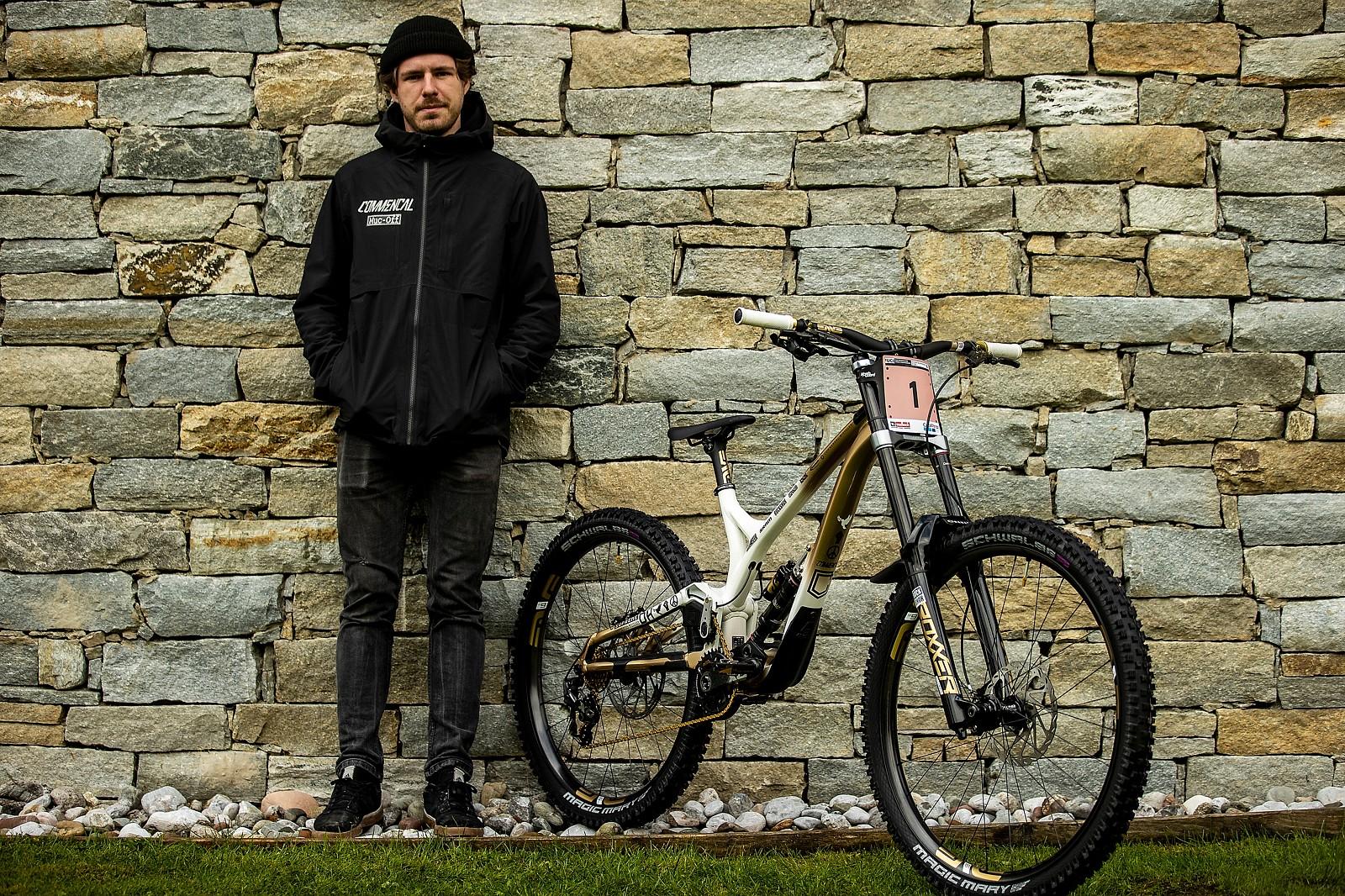 Maxime Augin, Myriam's Mechanic - WORLD CHAMPS BIKE - Myriam Nicole's Commencal Supreme - Mountain Biking Pictures - Vital MTB