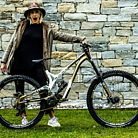WORLD CHAMPS BIKE - Myriam Nicole's Commencal Supreme