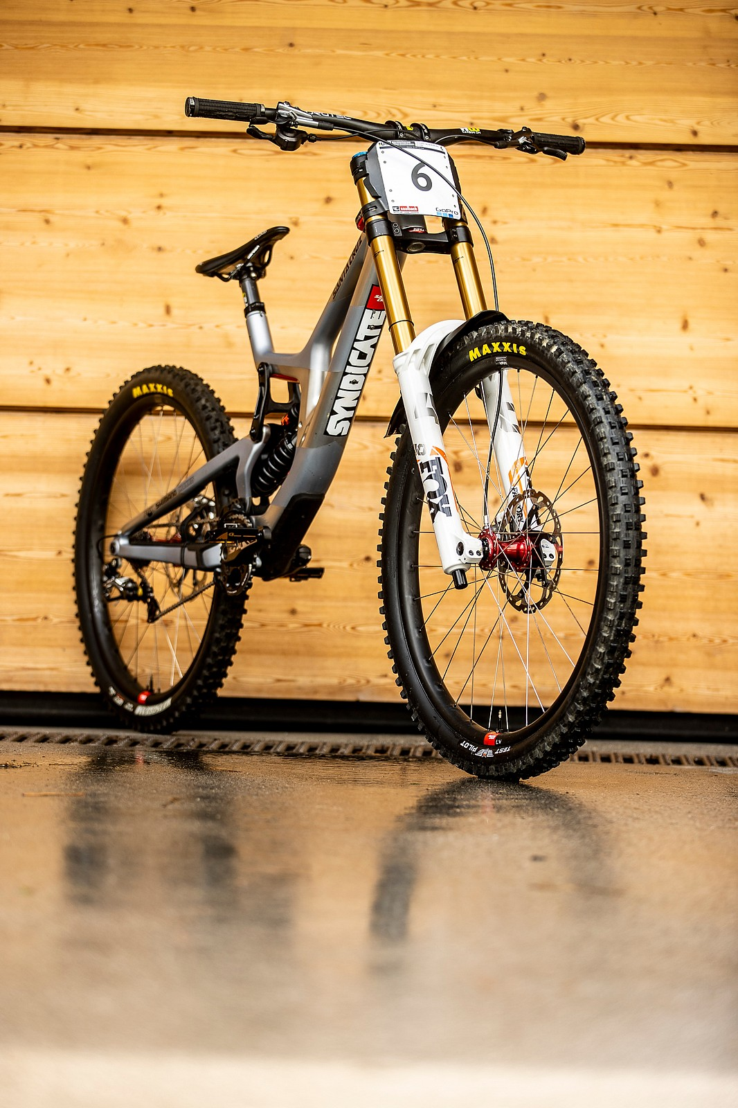 So Rad - WORLD CHAMPS BIKE - Loris Vergier's and Luca Shaw's Santa Cruz V10 - Mountain Biking Pictures - Vital MTB