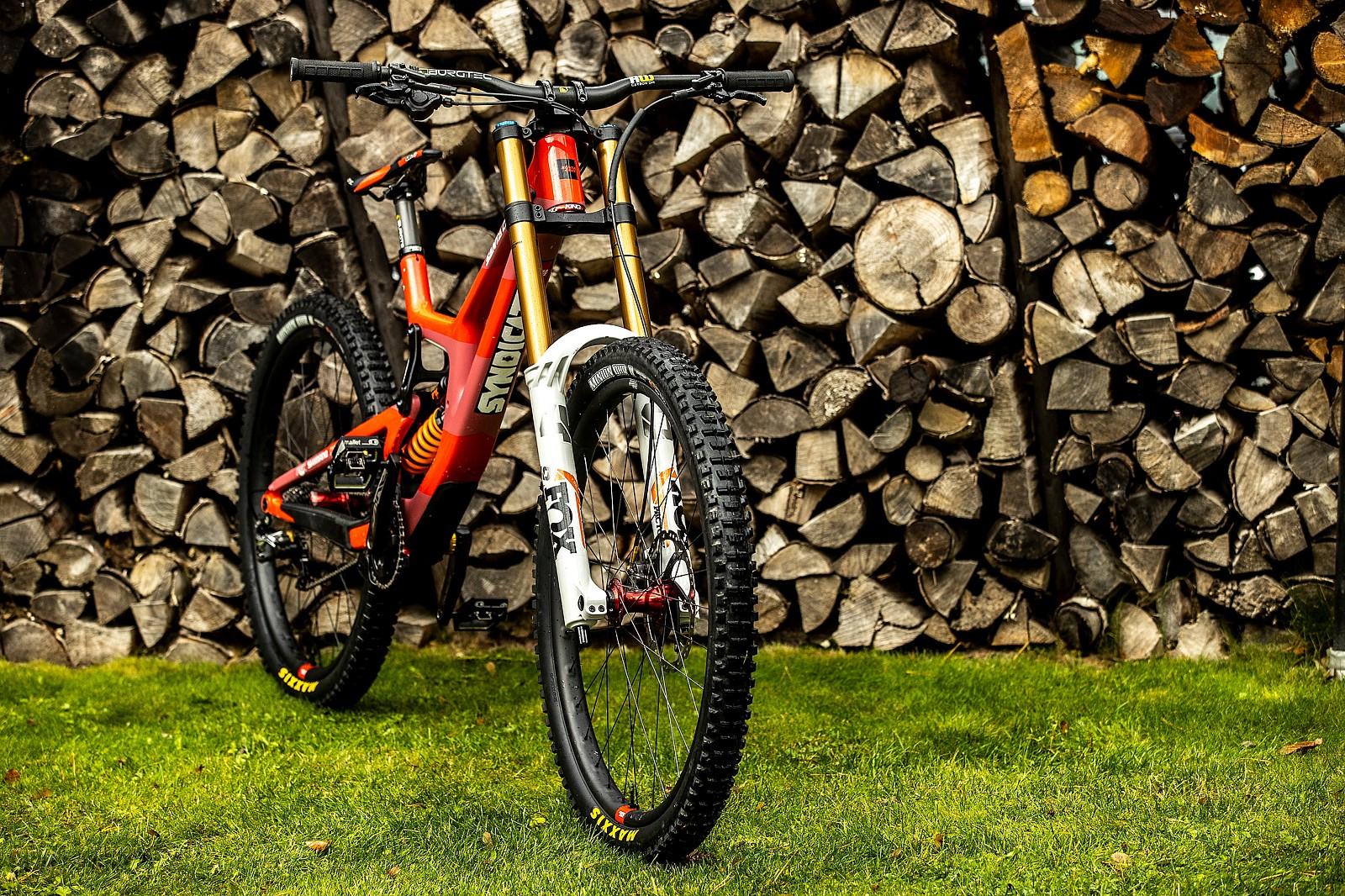WORLD CHAMPS BIKE - Luca Shaw's Santa Cruz V10 MX - WORLD CHAMPS BIKE - Loris Vergier's and Luca Shaw's Santa Cruz V10 - Mountain Biking Pictures - Vital MTB
