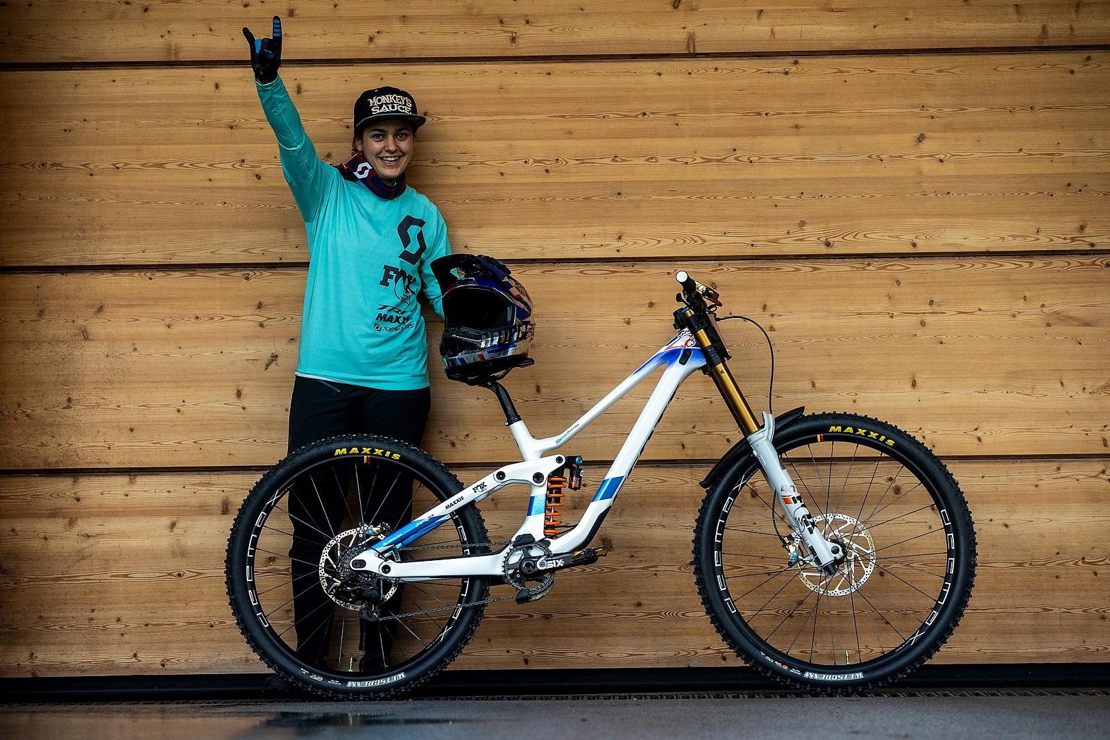 WORLD CHAMPS BIKE - Marine Cabirou's Scott Gambler - WORLD CHAMPS BIKE - Marine Cabirou's Scott Gambler - Mountain Biking Pictures - Vital MTB