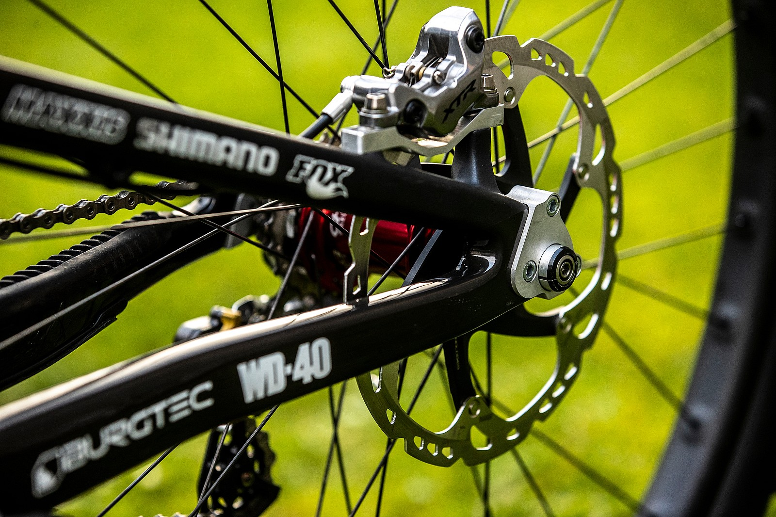Rear End Extender - WORLD CHAMPS BIKE - Greg Minnaar's Santa Cruz V10 - Mountain Biking Pictures - Vital MTB