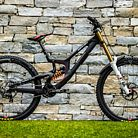 WORLD CHAMPS BIKE - Greg Minnaar's Santa Cruz V10