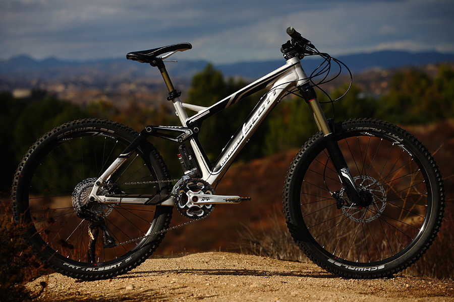 Scott Genius LT 30 - Scott Genius LT 30 - Mountain Biking Pictures - Vital MTB
