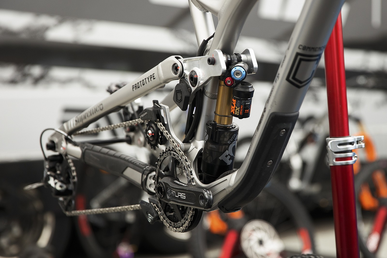Commencal Muc Off - PIT BITS - Les Gets World Cup Downhill 2021 - Mountain Biking Pictures - Vital MTB
