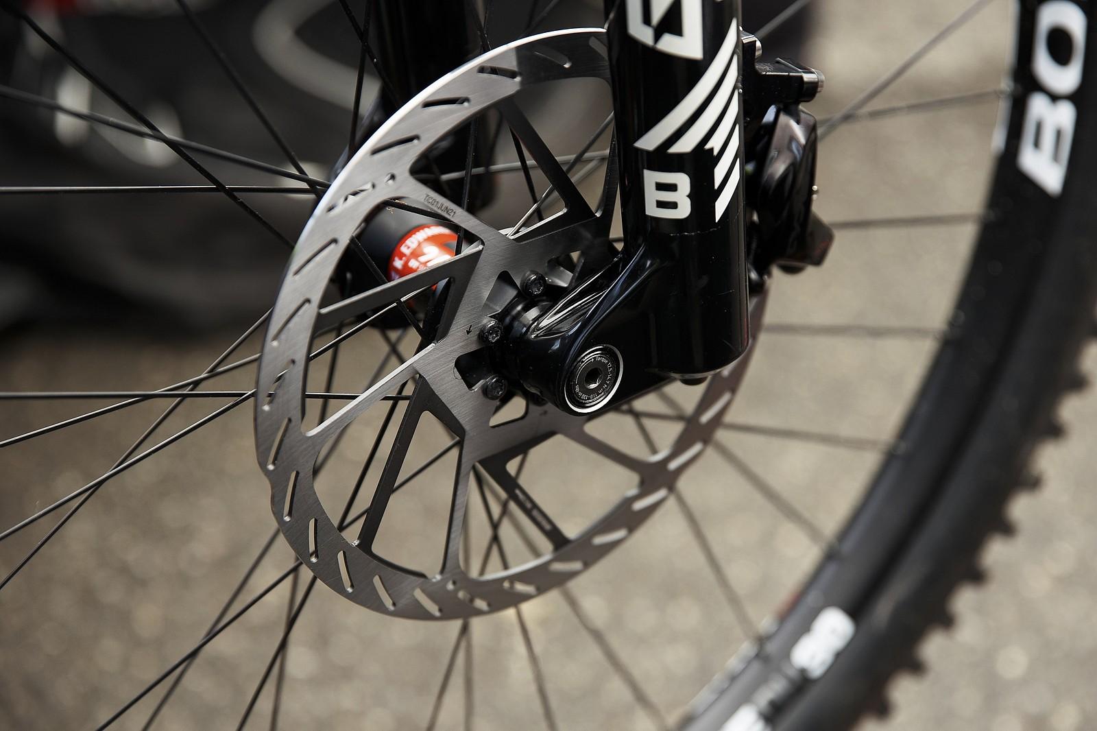 New SRAM 220mm rotors on Trek Factory bikes - PIT BITS - Les Gets World Cup Downhill 2021 - Mountain Biking Pictures - Vital MTB