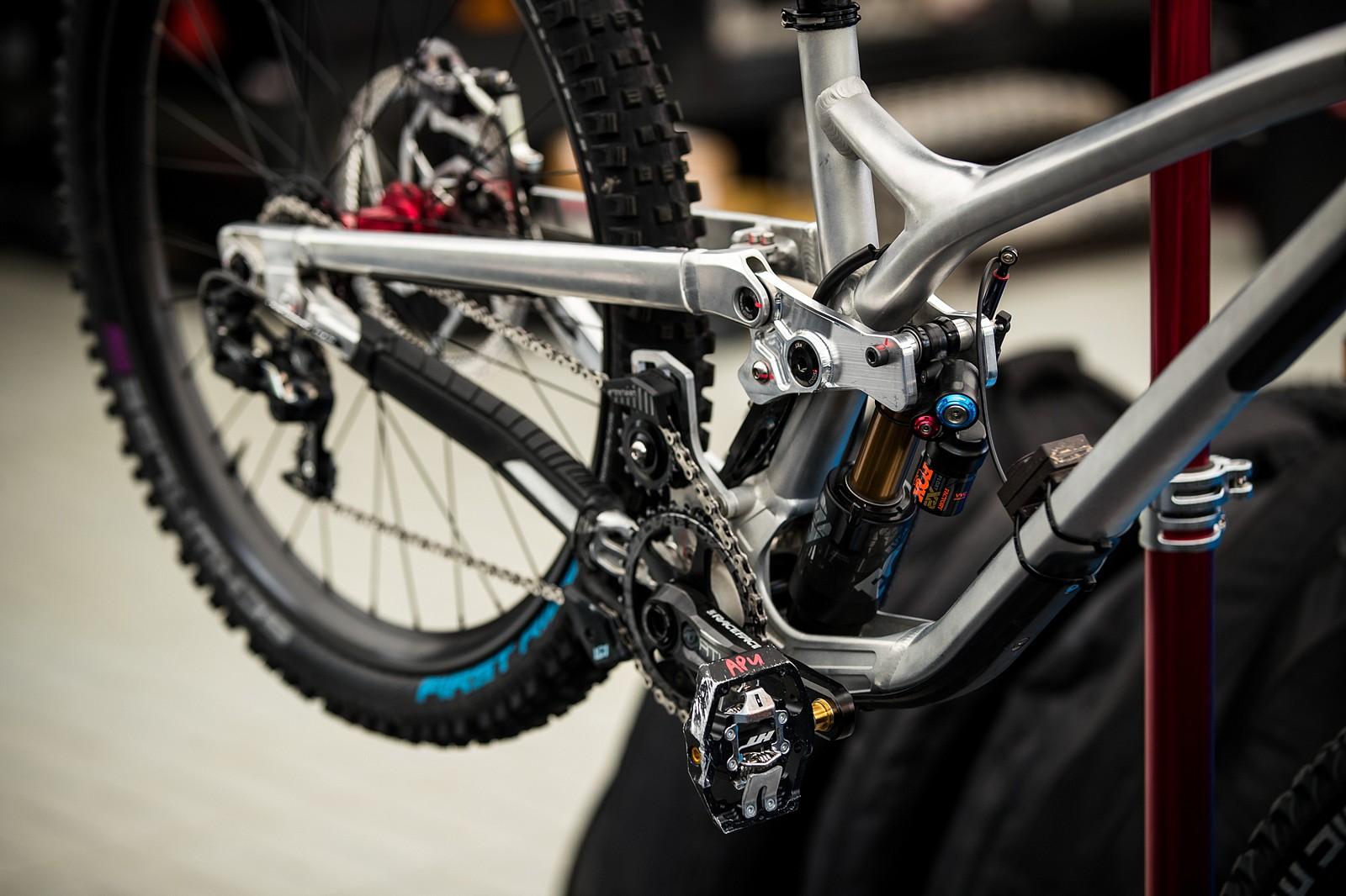 Commencal Proto - PIT BITS - Les Gets World Cup Downhill 2021 - Mountain Biking Pictures - Vital MTB