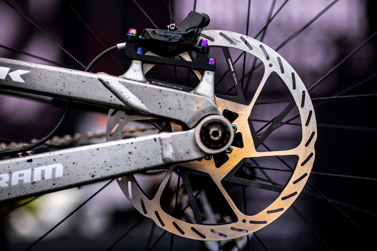 SRAM 220mm E-Rotor - PIT BITS - Les Gets World Cup Downhill 2021 - Mountain Biking Pictures - Vital MTB