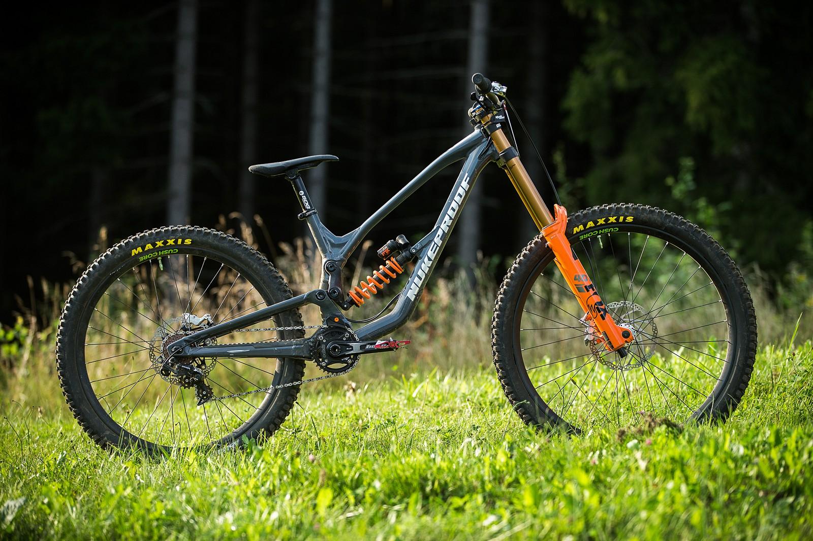 Adam Brayton's Nukeproof Dissent with Prototype Hope Brakes - Adam Brayton's Nukeproof Dissent with Prototype Hope Brakes - Mountain Biking Pictures - Vital MTB