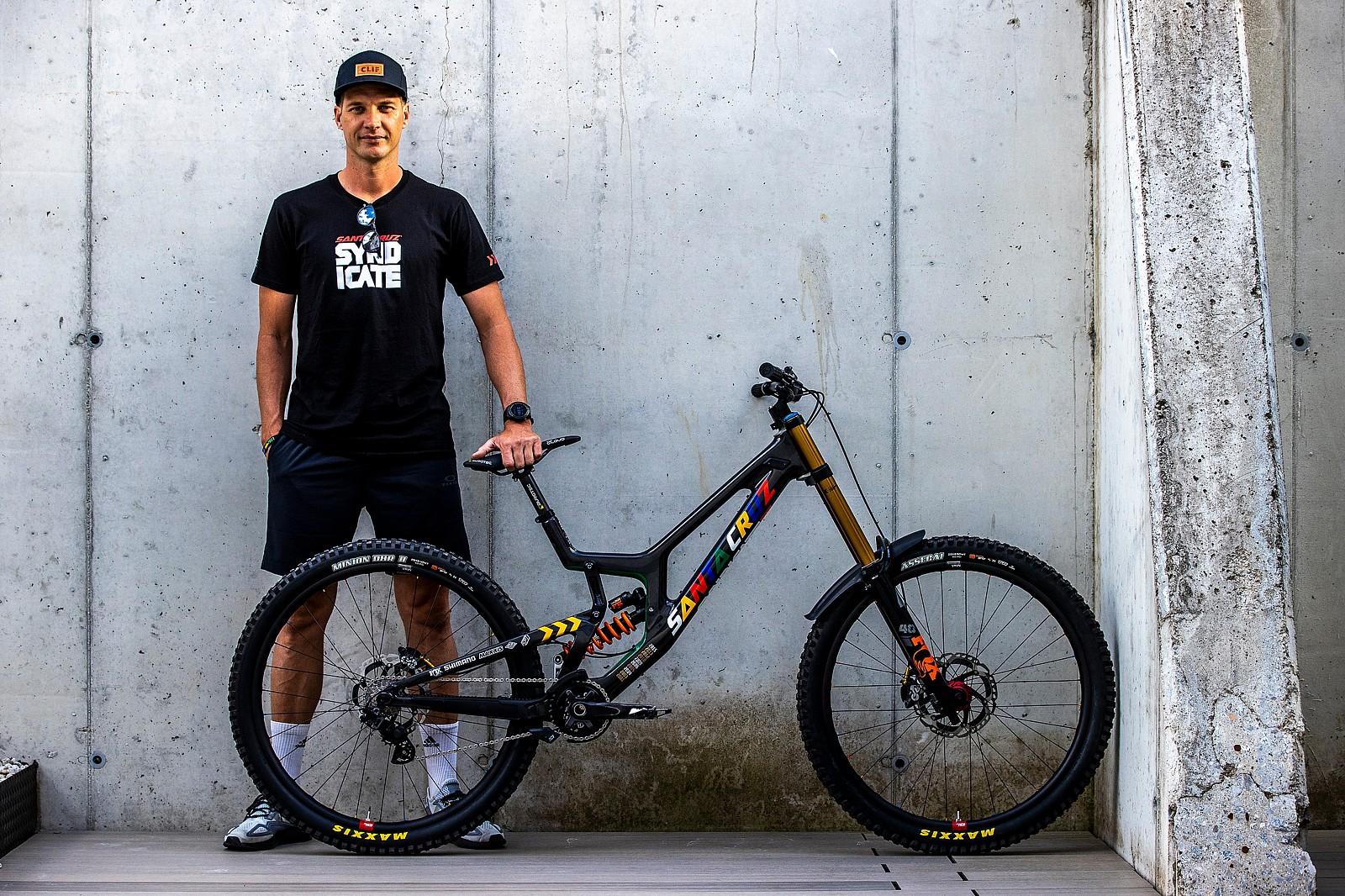 The GOAT and His Machine - WORLD CHAMPS BIKES - Santa Cruz Syndicate - Mountain Biking Pictures - Vital MTB