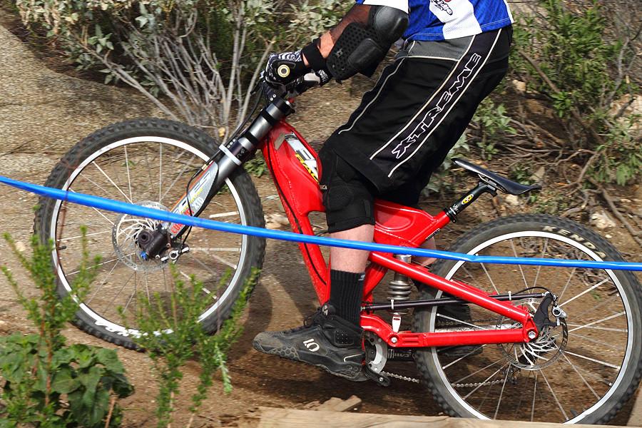 Foes Mono - G-Out Project: Fontana - Mountain Biking Pictures - Vital MTB