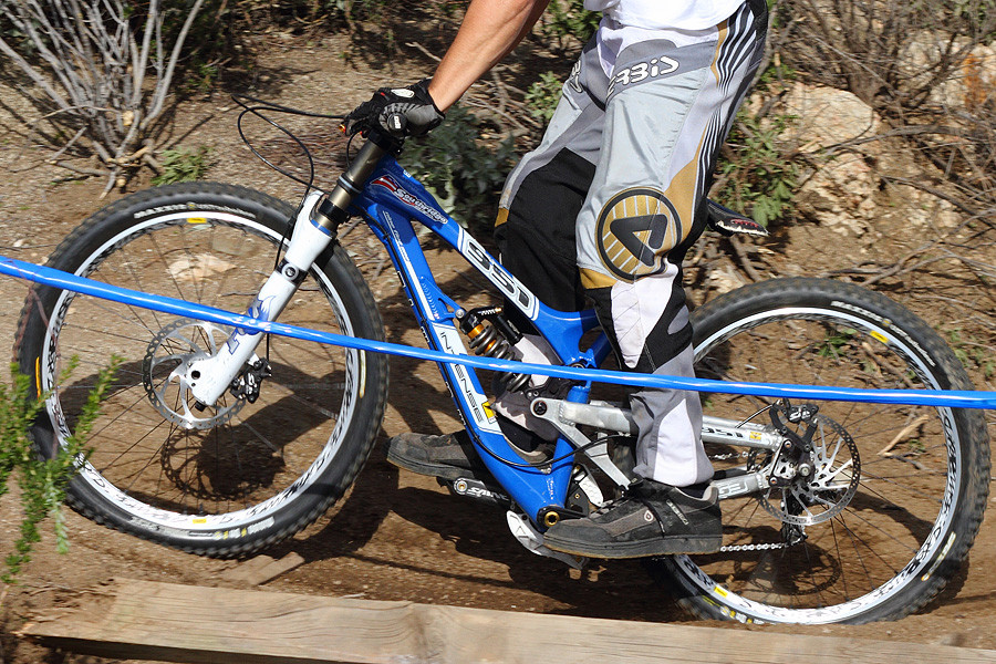 Intense 951, blue - G-Out Project: Fontana - Mountain Biking Pictures - Vital MTB