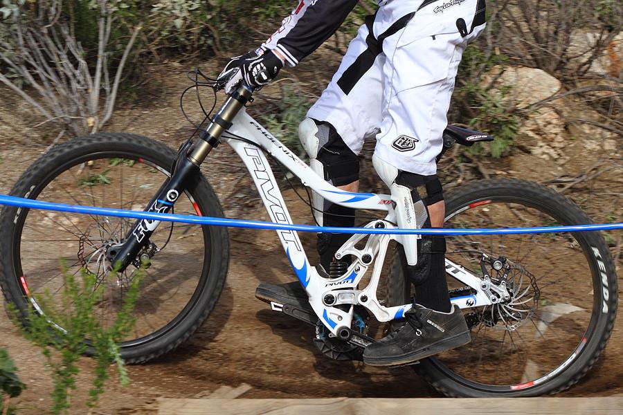 Pivot Phoenix DH - G-Out Project: Fontana - Mountain Biking Pictures - Vital MTB