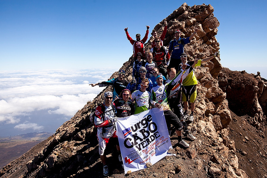 What a great crew! - Nicolas Vouilloz and Tracy Moseley win Urge Cabo Verde - Mountain Biking Pictures - Vital MTB