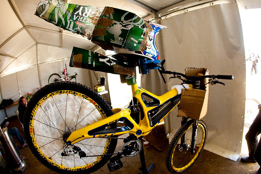 Custom Aero Gear on Mick's Bike - World Champs - Last DH Practice and a Little XC - Mountain Biking Pictures - Vital MTB