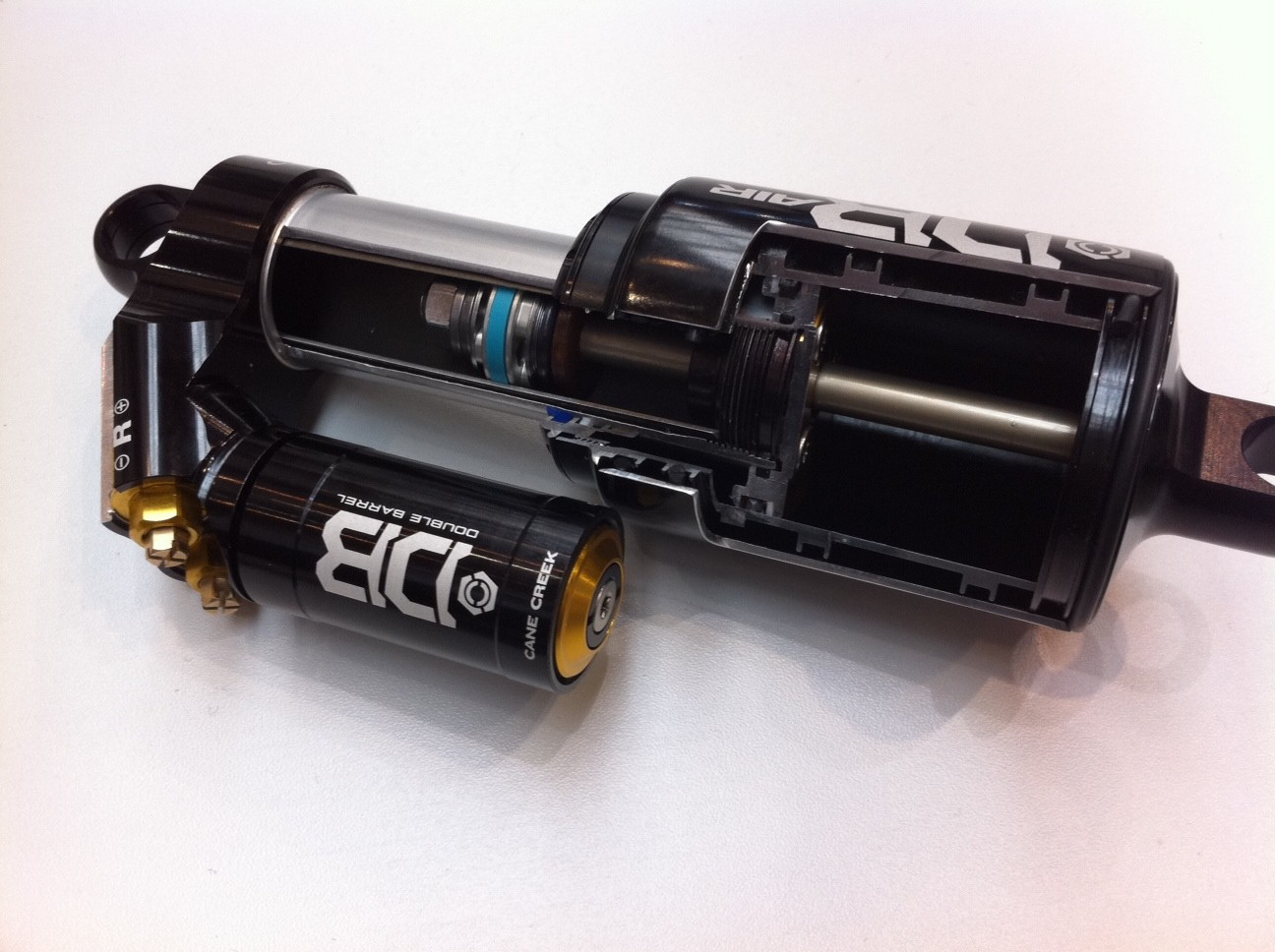 Cane Creek Double Barrel Air Cutaway - Eurobike 2011 - Mountain Biking Pictures - Vital MTB