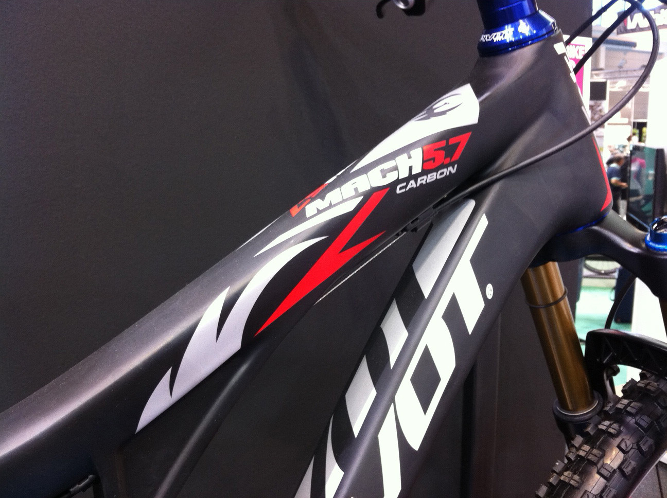 Pivot Mach 5.7 detail - Eurobike 2011 - Mountain Biking Pictures - Vital MTB