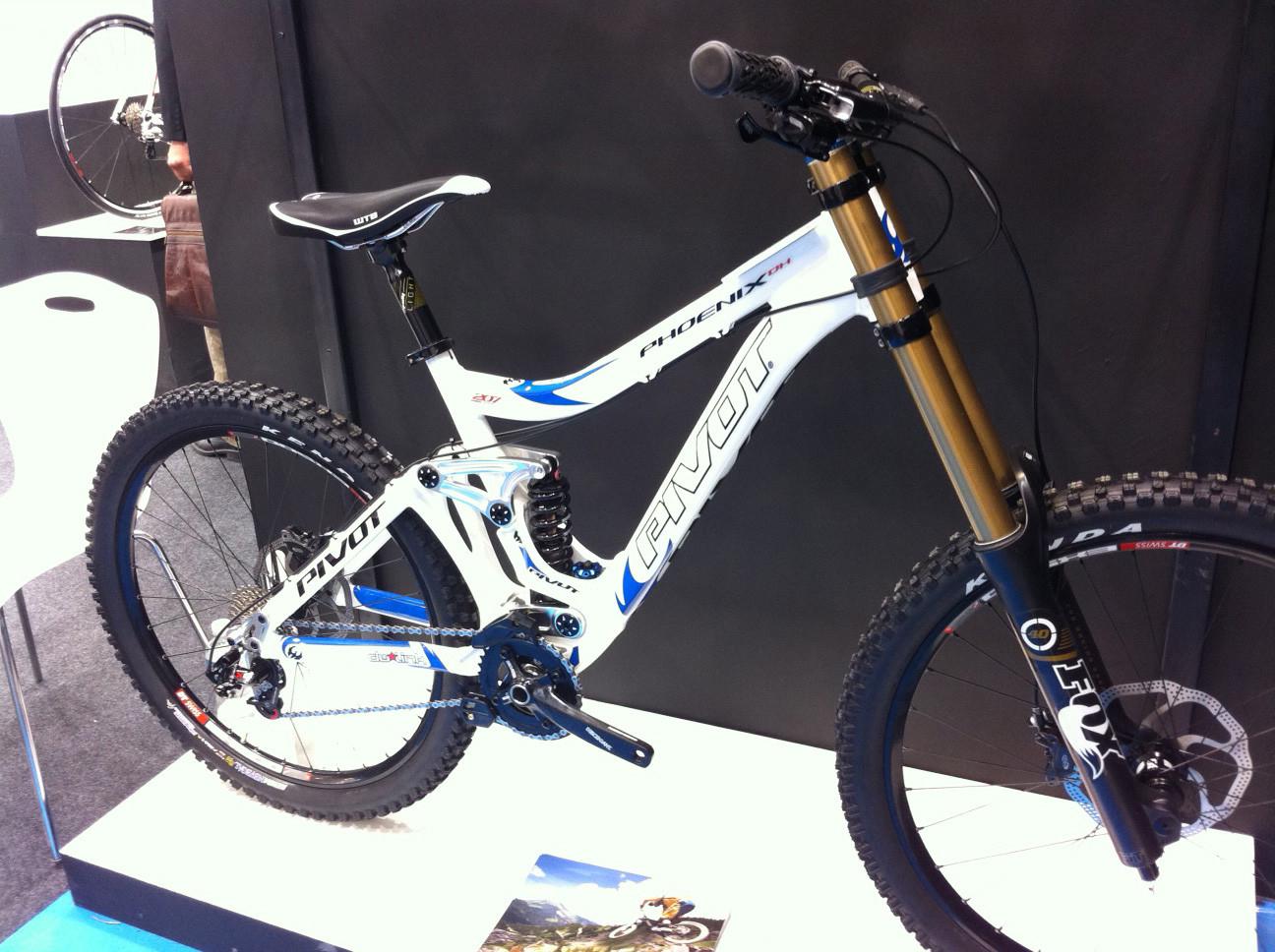Pivot Phoenix DH bike - Eurobike 2011 - Mountain Biking Pictures - Vital MTB