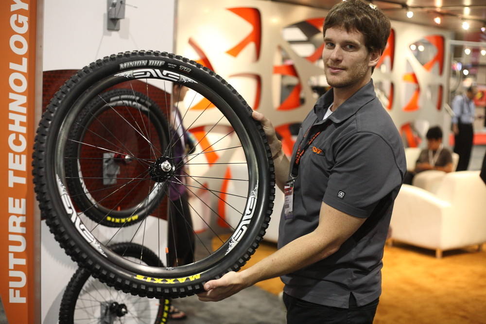 Maxxis Minion DHF 2.5 29er tire - Interbike 2011 Day 4 Quickie - Mountain Biking Pictures - Vital MTB