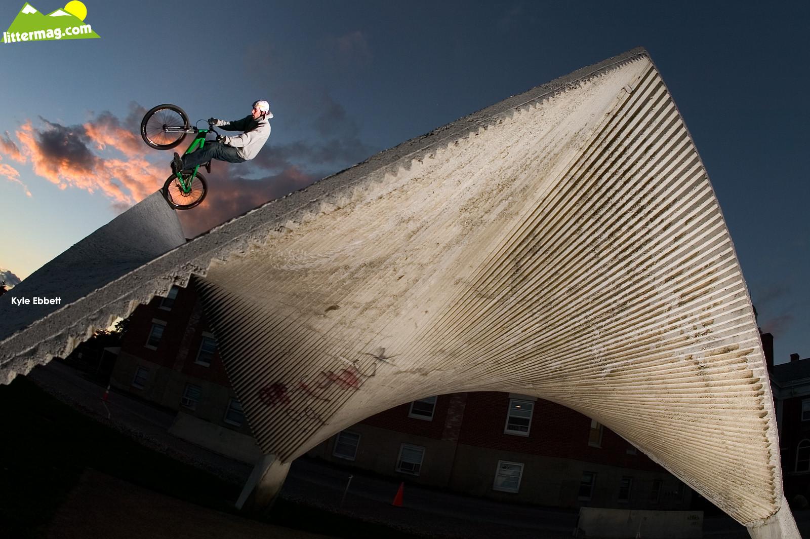 Kyle Ebbett, Roof Tap - Freeride Wallpapers - Mountain Biking Pictures - Vital MTB