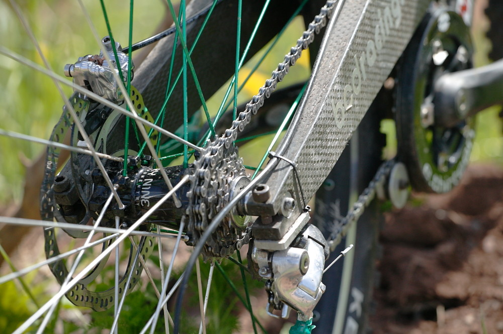 5-speed Industry Nine Hub - BCD's Carbon 29er Downhill Bike from 2007 - Mountain Biking Pictures - Vital MTB