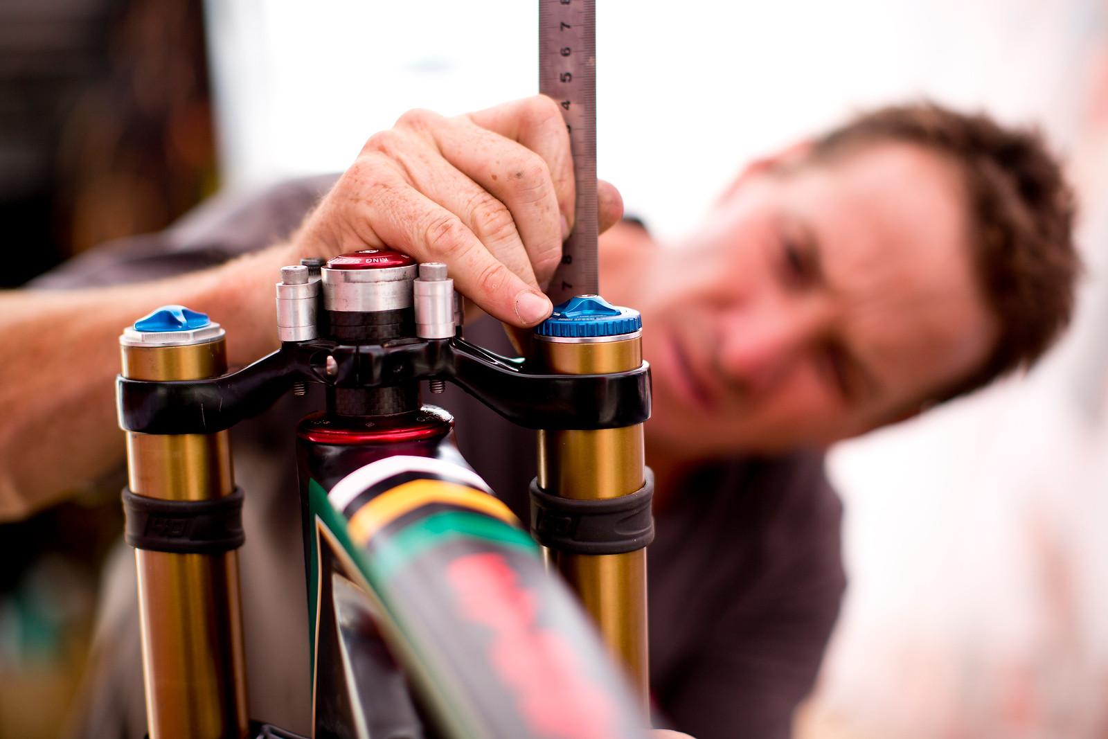 Greg Minnaar's 2012 World Champs Santa Cruz V10 - New Kits and Gear for 2012 World Championships - Mountain Biking Pictures - Vital MTB