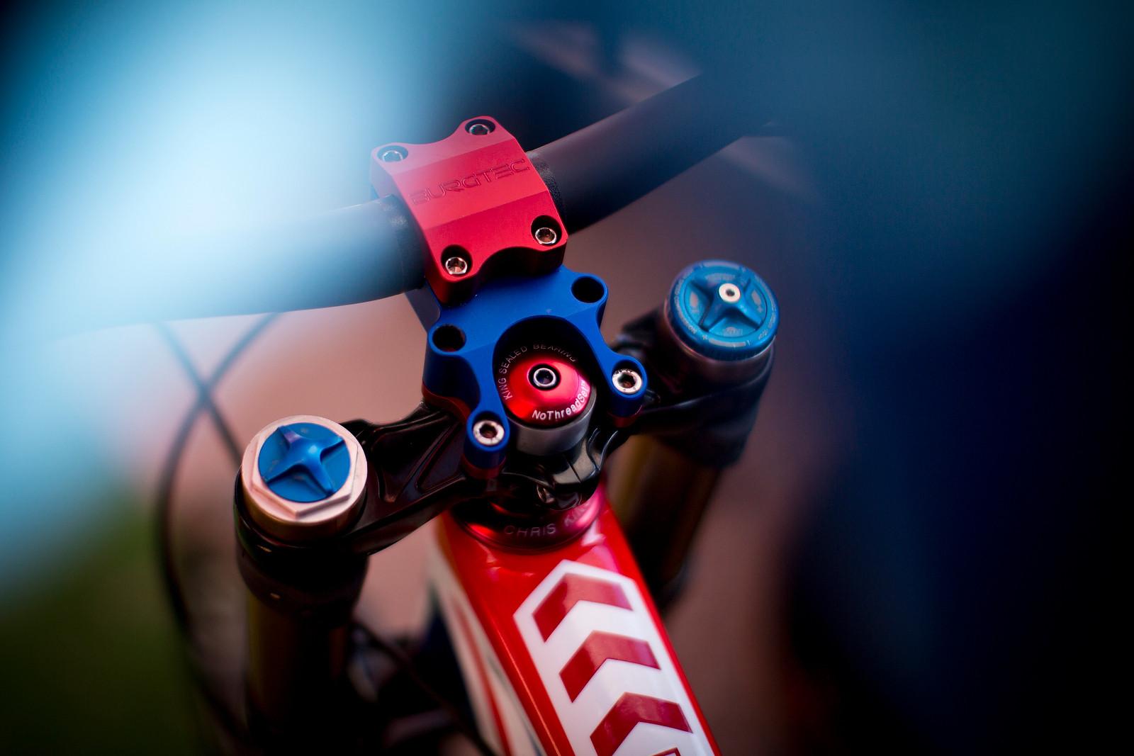 Steve Peat's World Champs Santa Cruz V10 with Burgtec Stem - New Kits and Gear for 2012 World Championships - Mountain Biking Pictures - Vital MTB