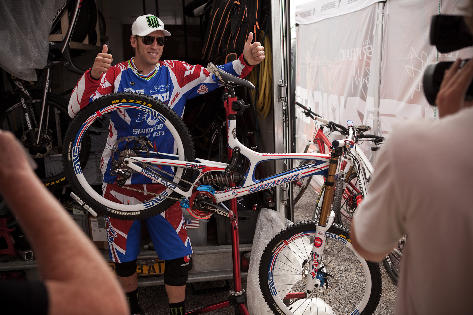 Steve Peat with his Custom Santa Cruz V10 for World Champs - New Kits and Gear for 2012 World Championships - Mountain Biking Pictures - Vital MTB
