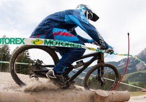 Richie Rude Bottomed Out and Crashing at World Champs