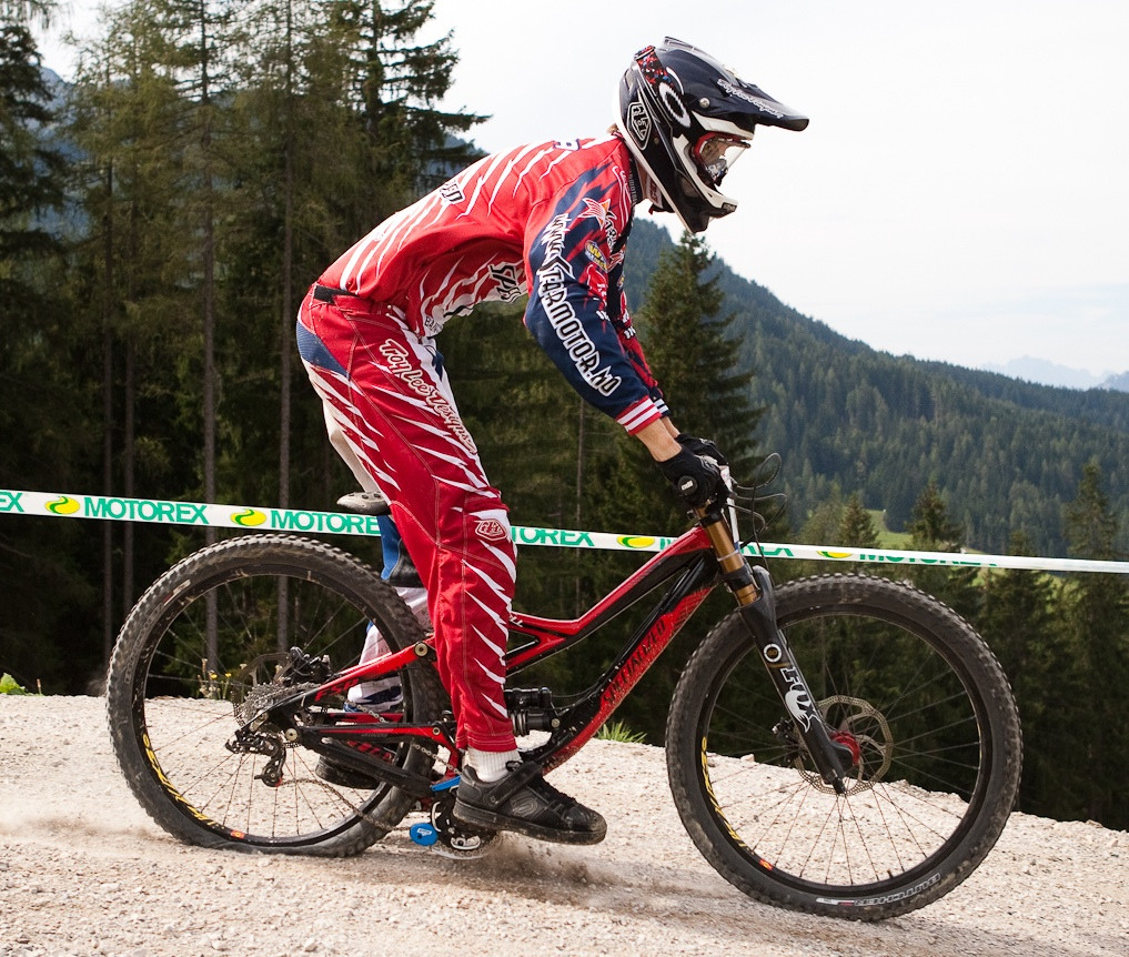Specialized Demo 8 Bottomed Out at World Champs - G-Out Project: WORLD CHAMPS IN LEOGANG! - Mountain Biking Pictures - Vital MTB