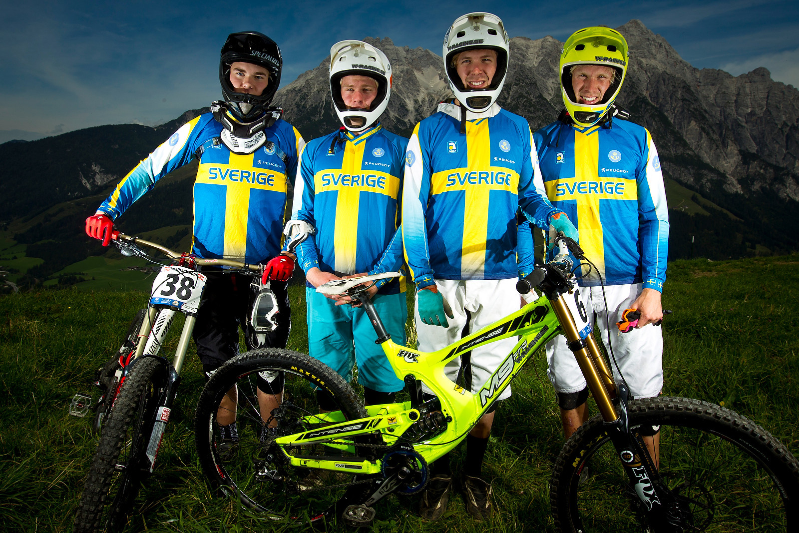 Team Blonde - World Championships Riders and Bikes - Mountain Biking Pictures - Vital MTB
