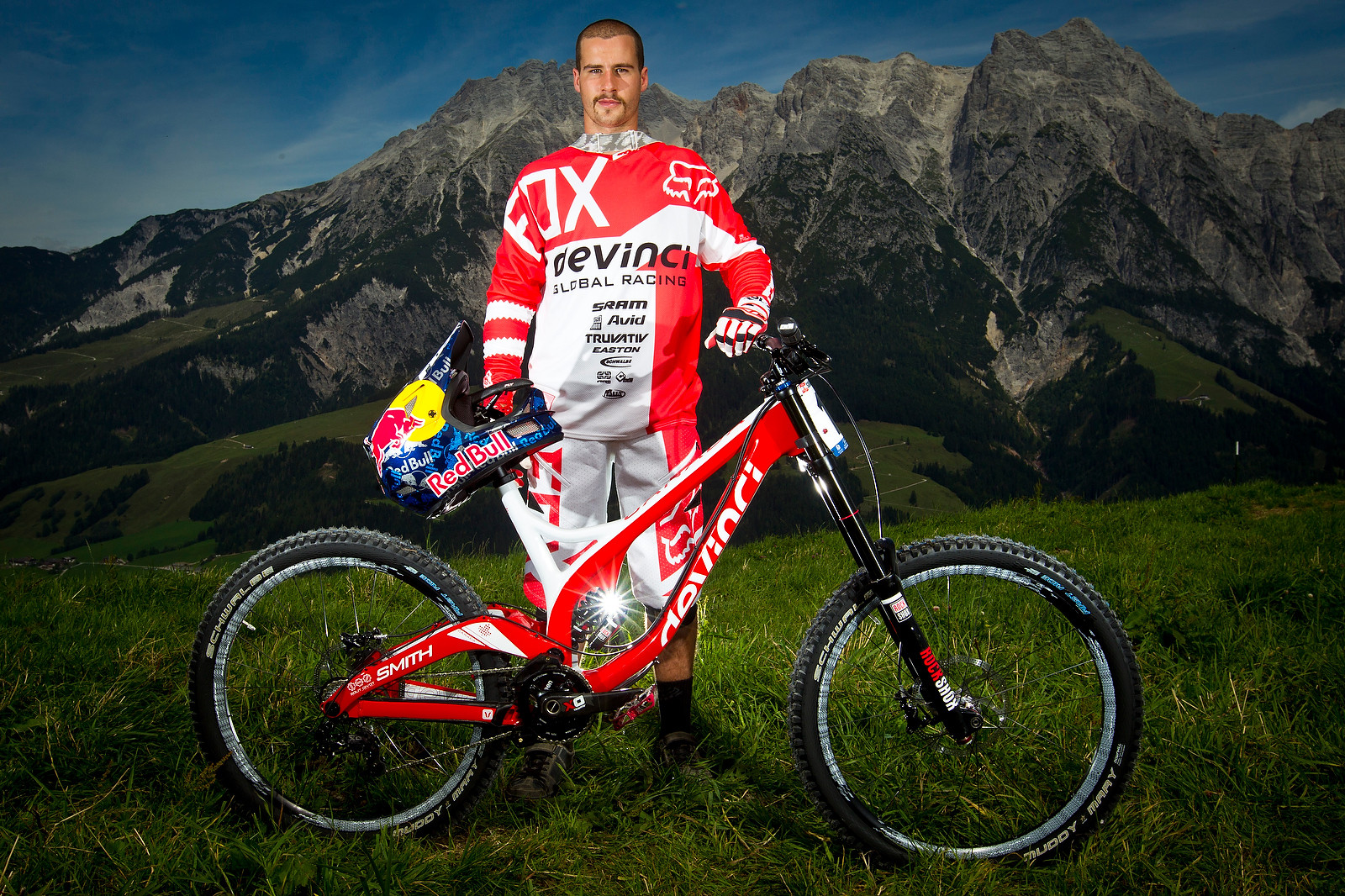 Steve Smith with his Devinci Wilson Carbon - World Championships Riders and Bikes - Mountain Biking Pictures - Vital MTB