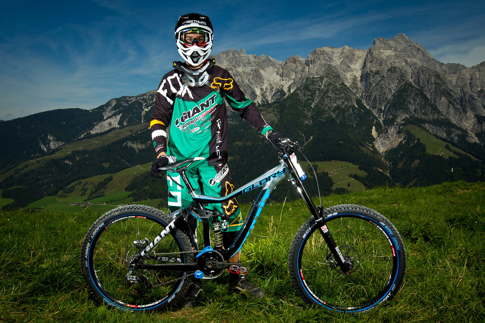 Andrew Neethling with his 2013 Giant Glory - World Championships Riders and Bikes - Mountain Biking Pictures - Vital MTB