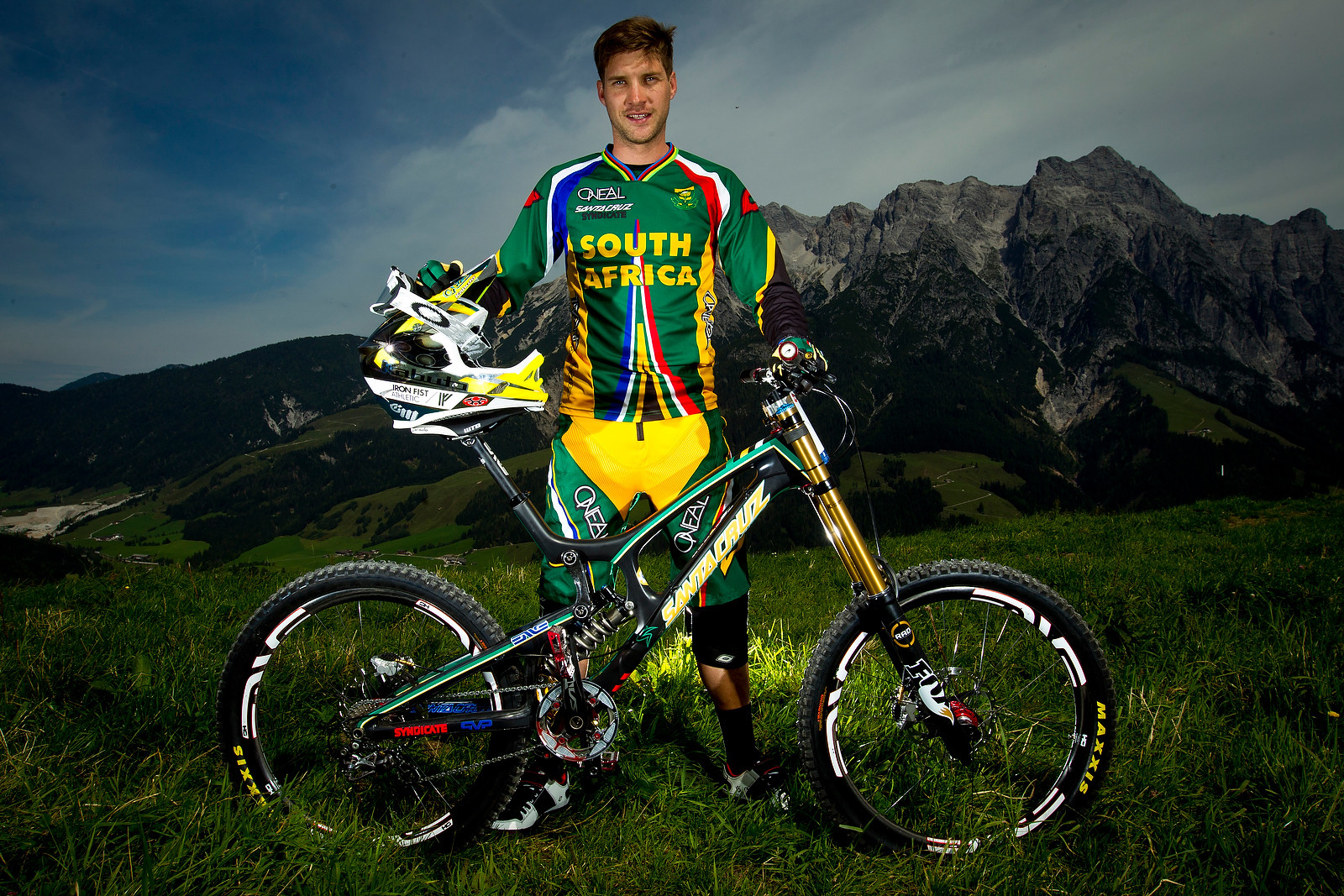 World Champion, Greg Minnaar with his Santa Cruz V10 carbon - World Championships Riders and Bikes - Mountain Biking Pictures - Vital MTB
