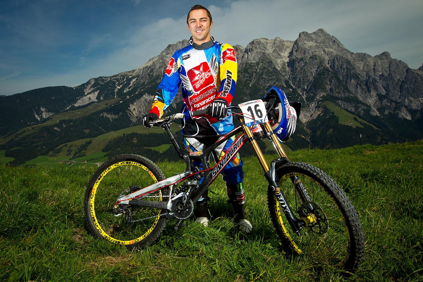 Marcelo Gutierrez with his Santa Cruz V10c - World Championships Riders and Bikes - Mountain Biking Pictures - Vital MTB