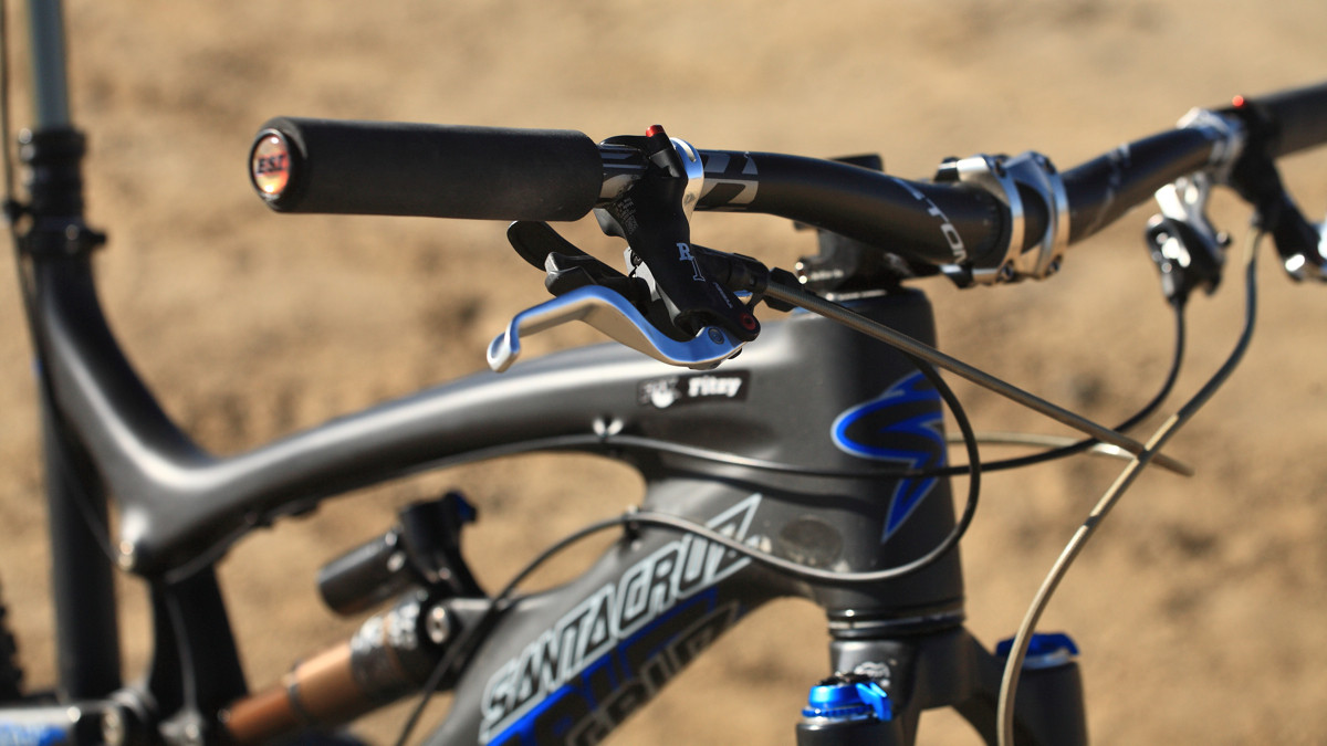 Carbon Carbon Everywhere - Santa Cruz Nomad Carbon with Prototype Fox Suspension - Mountain Biking Pictures - Vital MTB