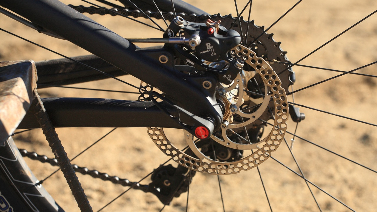 Formula R1 Brakes - Santa Cruz Nomad Carbon with Prototype Fox Suspension - Mountain Biking Pictures - Vital MTB
