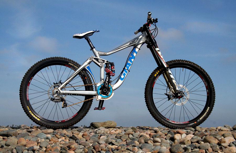 2010 Giant/HBG Team Bike - Giant/HBG Team Bike Check - Mountain Biking Pictures - Vital MTB